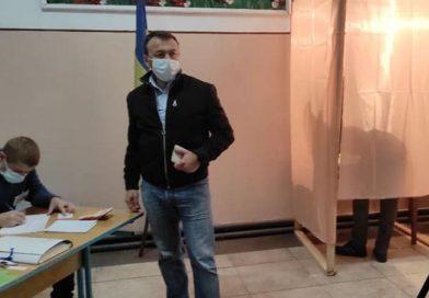 Голова Закарпатської облдержадміністрації Олексій Петров грубо порушує виборче законодавство