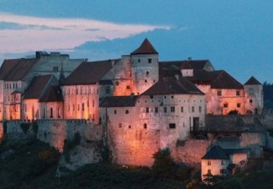 """У Німеччині існує замок-двійник мукачівського """"Паланку"""" (фото)"""
