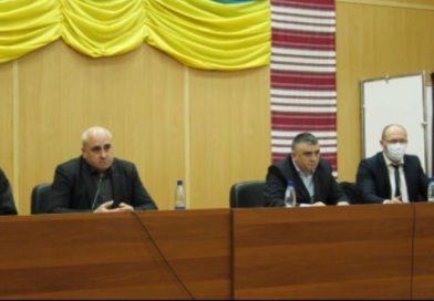 Сесія Мукачівської районної ради знову не відбулася: бюджетна сфера залишається без зарплат (відео)