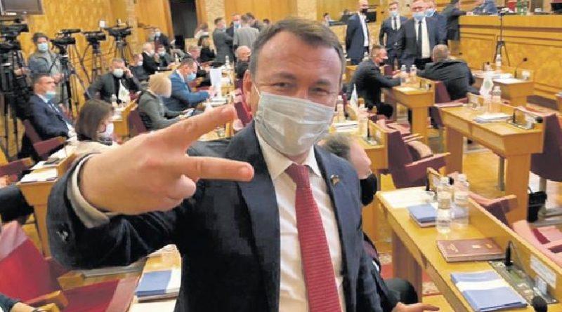 Чому не збирається сесія Закарпатської обласної ради?